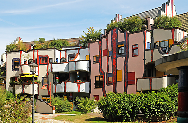 japan photo archiv hundertwasserhaus plochingen friedensreich hundertwasser. Black Bedroom Furniture Sets. Home Design Ideas